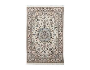 ペルシャ絨毯(5大産地の1つ ナイン)